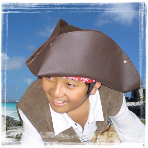 トリコーンで海賊扮装