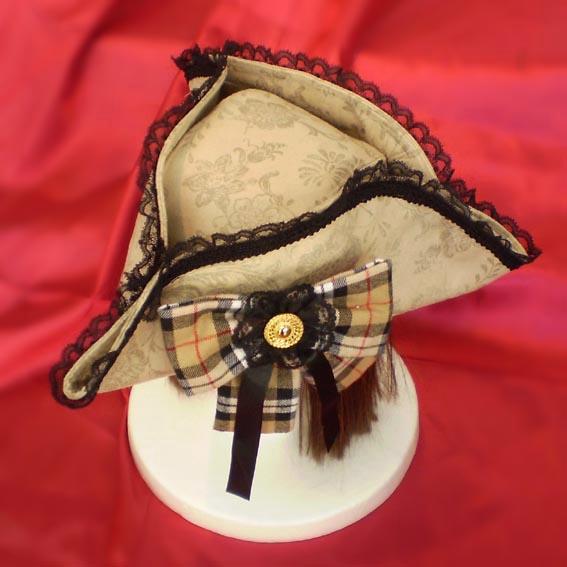 トリコーンとは三角帽子のこと